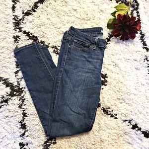 Levi's 711 Skinny Jean   29